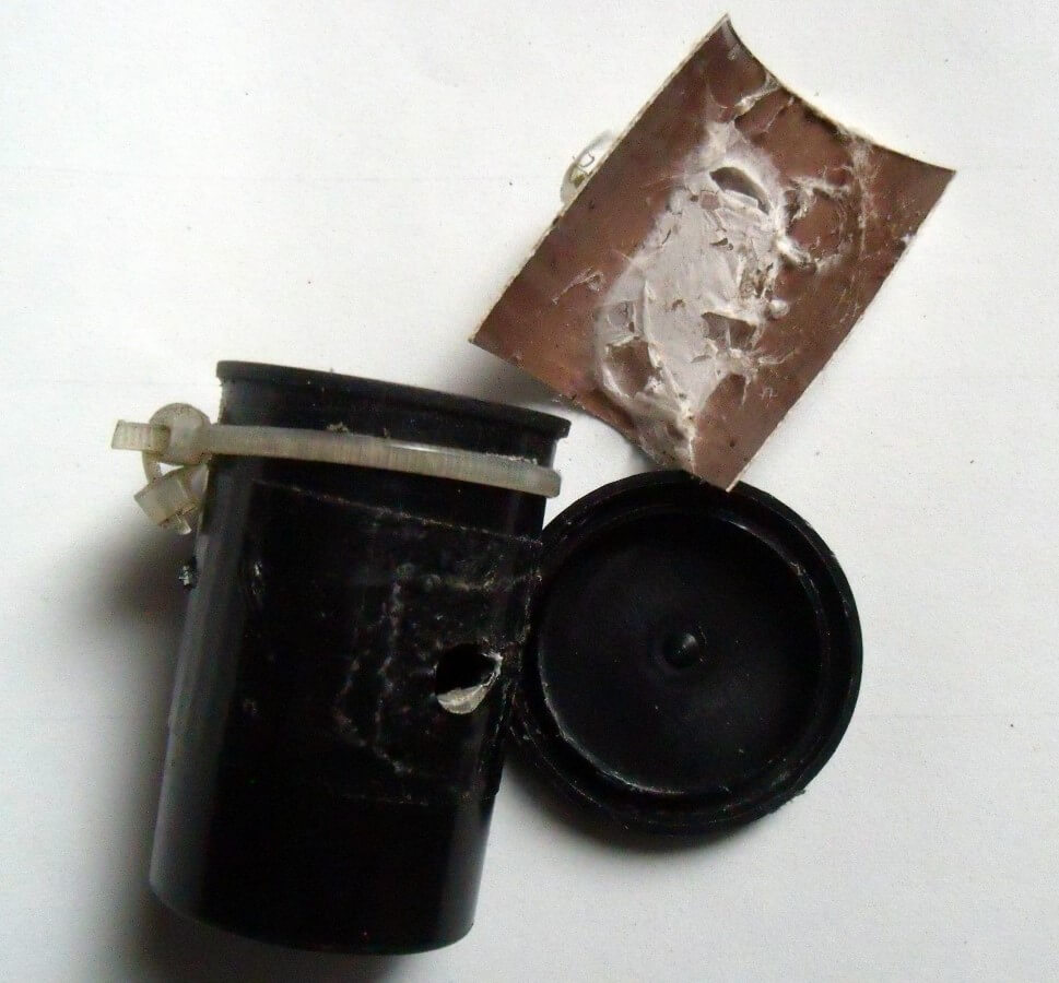 Pinhole camera with Negative and spider web
